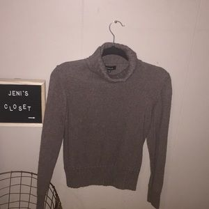 Sweaters - Knitted turtleneck sweater